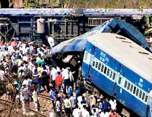 Maharashtra Train Crash Kills 17, Injures 89