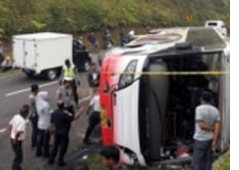 Java Tourbus Roll-over kills driver, guide, tourists, Injures 15